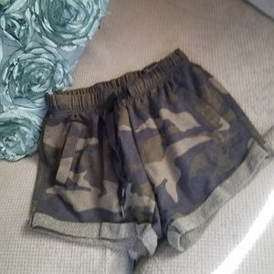 Like new pink Victoria's SECRET camo shorts